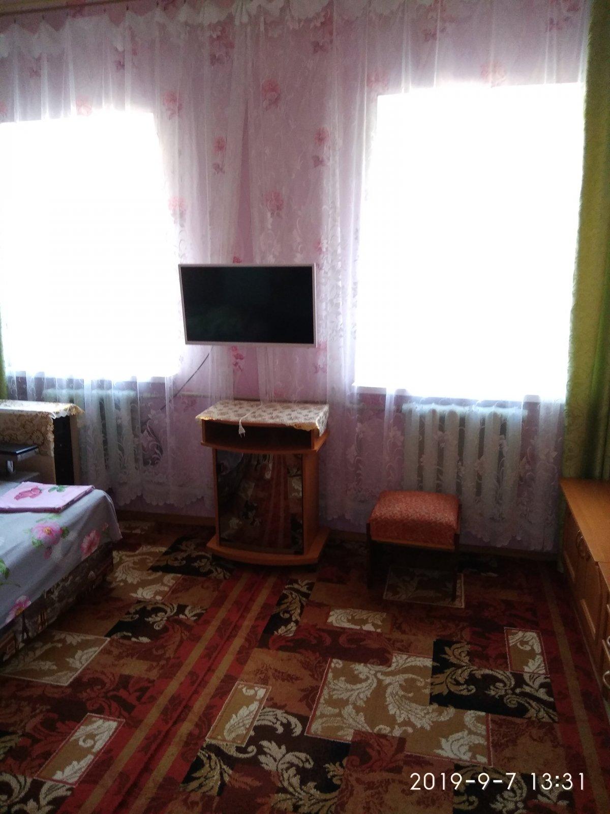 Продается 2 комнатная квартира на земле в курортной зоне Евпатории