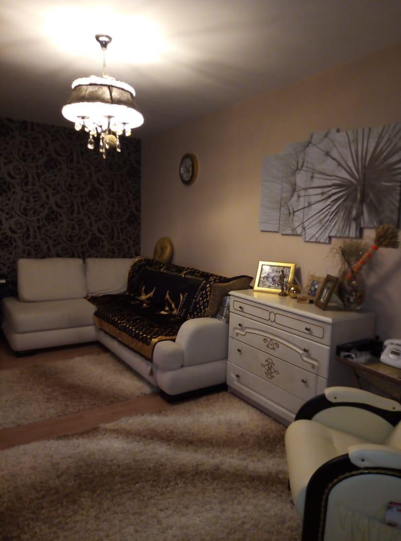 Продаётся 2 комнатная квартира, в Центре г.Евпатория, по ул.Фрунзе.