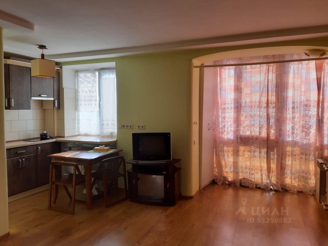 Продаётся 1 комнатная квартира в центре Евпатории, по ул.Демышева