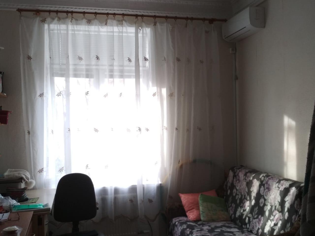 Продаётся комната к коммунальной квартире, по ул.Фрунзе, в центре, г.Евпато ...