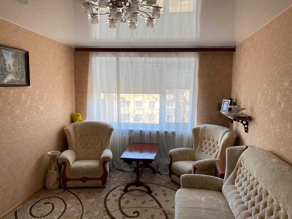 Продаётся 3 комнатная квартира в Крыму в пгт.Мирный, по пр-т.Мира, Евпаторийский район