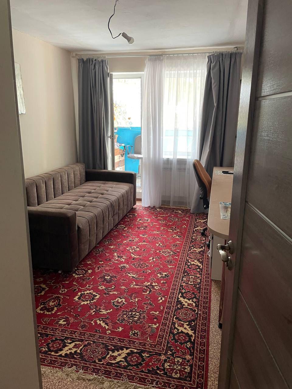 Продаётся 2 комнатная квартира в г.Евпатория, по ул. Интернациональная.